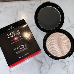 Pro-Light Fusion 01 Highlighter Make Up For Ever